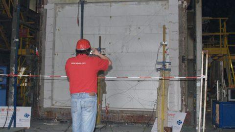 Brandwerende overheaddeuren - Getest door Efectis - Protec Industrial Doors