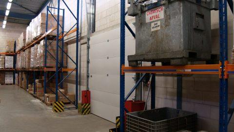 Vloeistofhoudende branddeur; chemische vloeistof insluiting - containment; PGS 15 en TUV logistieke deur