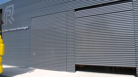 deur in lijn met de gevel - Deuren met bekleding